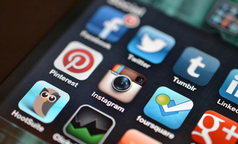 redes sociais dispositivos móveis